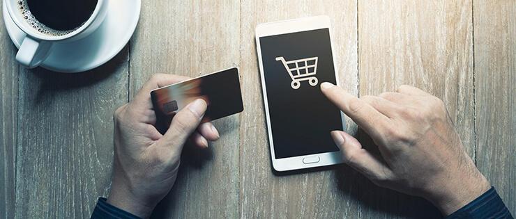 Opinion Box e Mobile Time pesquisam: 7 em cada 10 realizaram compras pelo smartphone